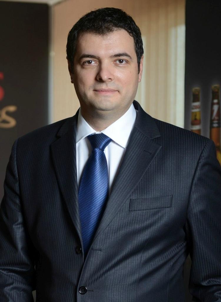 Robert Uzuna